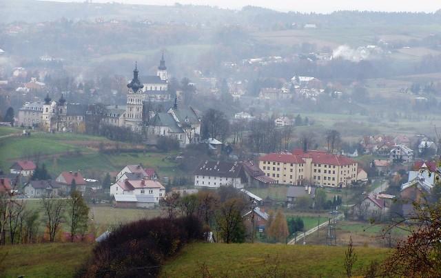 Nowe zakażenia w gminie Tuchów mają związek z ogniskiem COVID-19 w klasztorze redemptorystów