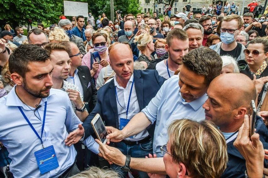 Sztab Rafała Trzaskowskiego zaprezentował spot wybory....