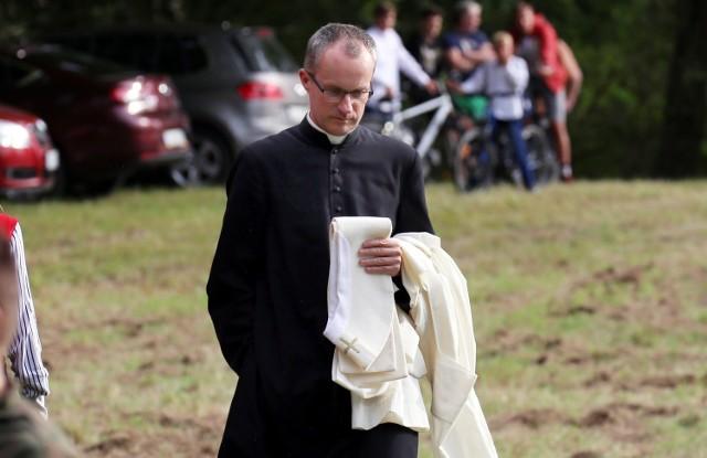 Ksiądz Janusz Chyła zaapelował do wiernych, by nie szli do komunii, jeśli popierają strajk kobiet
