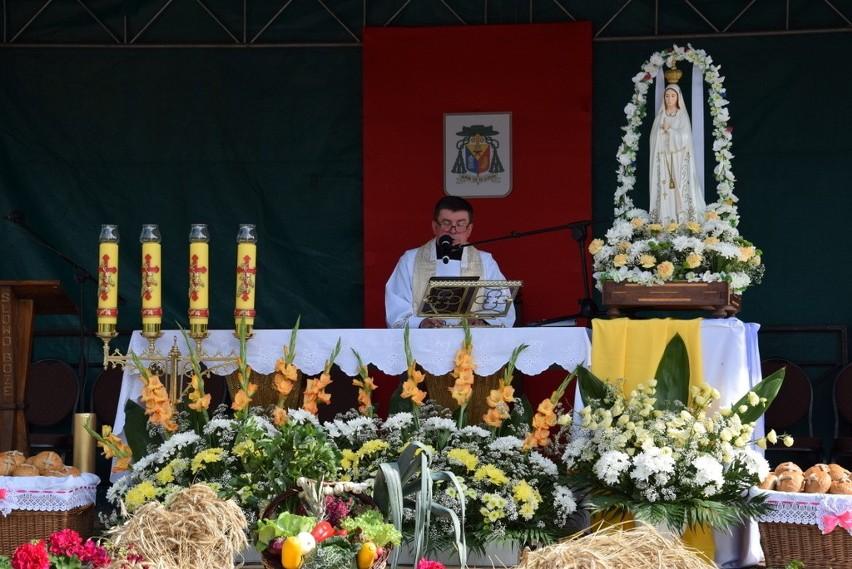 Diecezjalne Dożynki w Wyszkach. Zobacz najpiękniejsze wieńce dożynkowe. Parafia z Bielska zajęła pierwsze miejsce! (zdjęcia)