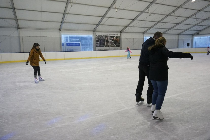 W sezonie zimowym 2020/2021 dwa lodowiska zostały zamknięte...