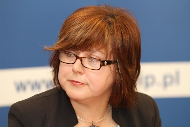 Barbara Kaszycka, rzecznik prasowy Okręgowego Inspektoratu Pracy w Kielcach: - Odprawa przysługuje tylko tym pracownikom, którzy zostają zwolnieni z przyczyn niezależnych od nich, a pracodawca, w chwili zwolnienia zatrudnia co najmniej dwadzieścia osób.