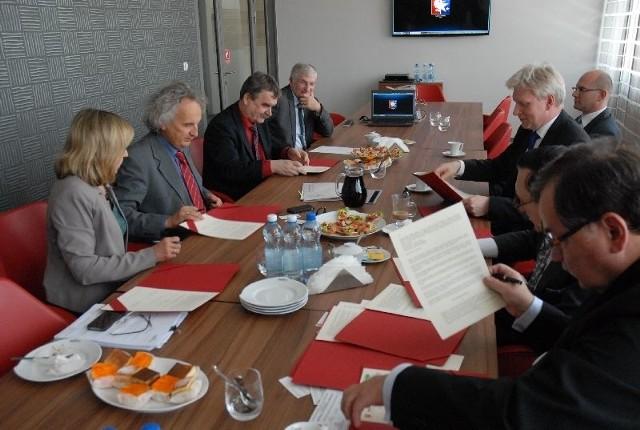 W środę, 7 maja w Targach Kielce podpisano list intencyjny w sprawie organizowania pierwszych w Polsce targów Business Expo of the Americas.