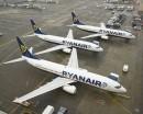 Ci, którzy kupili bilety po 21 maja,  muszą odprawić się online i przyjść na lotnisko z wydrukowana kartą odprawy. Fot. Ryanair