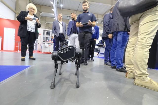 Robot kroczący Politechniki Poznańskiej wykorzystywany jest np. w kopalniach. Przejdź dalej i zobacz inne ciekawe maszyny z tarów --->