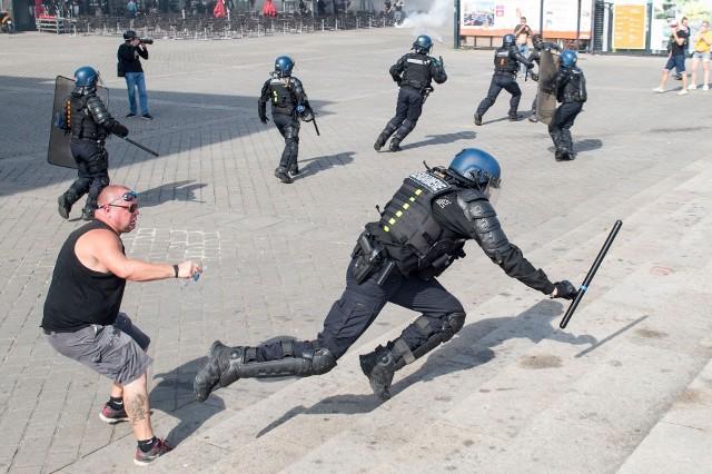 Starcia protestujących w Nantes z policją 14 września 2019 r.