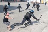 """Akt 44. Powrót """"żółych kamizelek"""" we Francji. Znów protesty na ulicach miast, zamieszki w Nantes [ZDJĘCIA] [WIDEO]"""