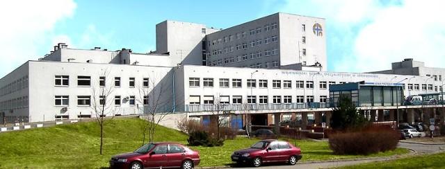 Chirurg ortopeda, który jest podejrzany o zgwałcenie pacjentki w Wojewódzkich Szpitalu Specjalistycznym na Parkitce, pozostanie w areszcie tymczasowym