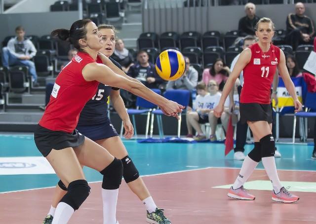 Anita Kwiatkowska z PTPS w meczu z Budowlanymi imponowała nie tylko dobrym przyjęciem, ale również zagrywką