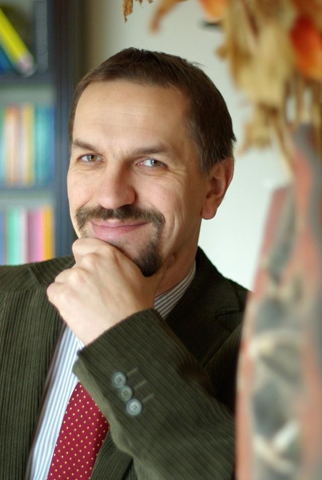Dr Jarosław Flis