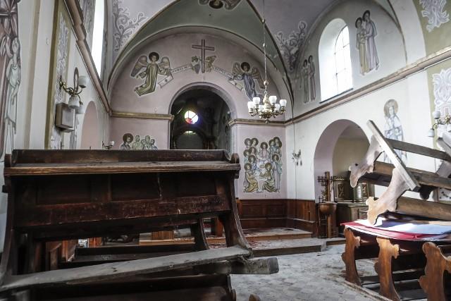 Wandale podczas libacji zniszczyli zabytkowy kościół w Budziwoju w Rzeszowie.