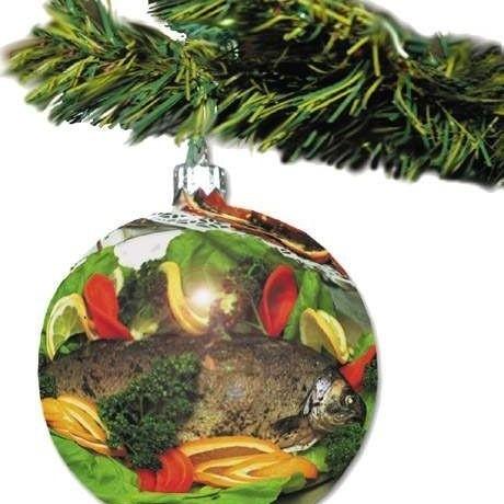 """Święta Bożego Narodzenia to okres największych """"żniw"""" w handlu. Czy tego chcemy, czy nie, do końca grudnia atakować nas będą świąteczne rekalmy"""