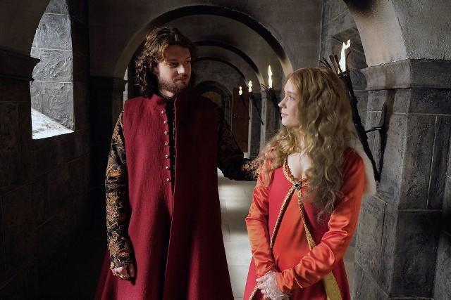 """Trwają poszukiwania córek Kazimierza i Anny. Co jeszcze wydarzy się w 31. odcinku """"Korony królów""""?"""
