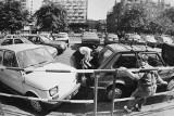 Takimi samochodami jeździliśmy 30, 40 czy 50 lat temu. Zobaczcie archiwalne zdjęcia z Katowic. Poznajecie te modele?