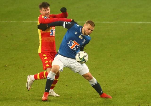 Jesper Karlstroem, to piłkarz, któremu będzie się bardzo uważnie przyglądał Maciej Skorża. Szwed na razie raczej nie pasuje do jego koncepcji.Zobacz też: