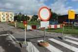 Zerwali asfalt z Gojawiczyńskiej. Zmienione trasy autobusów  [zdjęcia]