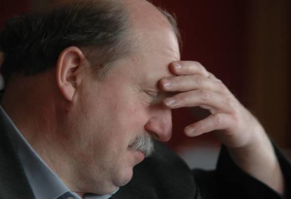 Adam Cukier chciałby poddać się weryfikacji wyborczej w połowie kadencji. Wzywa też do takiego kroku radnych swej gminy. Wątpliwe jednak czy na to pójdą...