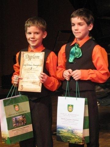Wśród najmłodszych pierwsze miejsce przypadło reprezentantom SP w Brańszczyku: Filipowi Balickiemu i Michałowi Laskowskiemu
