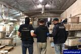Białostoccy i olsztyńscy antyterroryści zlikwidowali nielegalną fabrykę papierosów. Państwo straciło przez nią 100 mln zł (zdjęcia, wideo)