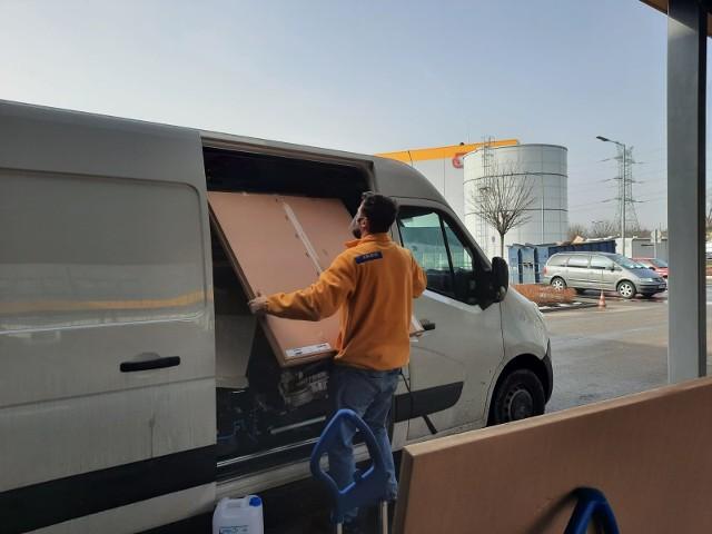 Wsparcie dla częstochowskiego hospicjum od sklepu IKEA w Katowicach.Zobacz kolejne zdjęcia. Przesuwaj zdjęcia w prawo - naciśnij strzałkę lub przycisk NASTĘPNE