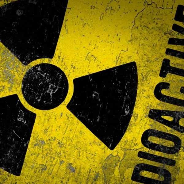 Dziewczyna nie miała kontaktu z radioaktywną substancją.
