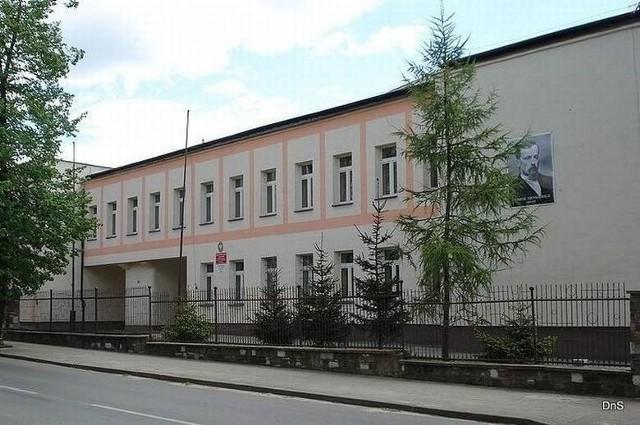 Liceum imienia Henryka Sienkiewicza w Szydłowcu.