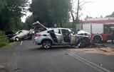 Koszmarny wypadek pod Częstochową. W zderzeniu bmw, opla i volkswagena w Wierzchowisku zginął kierowca opla