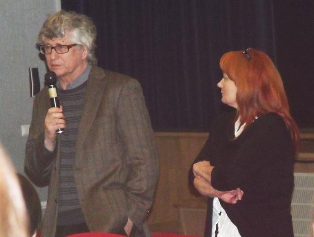 Po wyświetleniu pierwszego filmu reżyser odpowiadał na pytania publiczności.