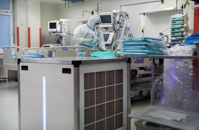 Na zaszczepienie pierwszą dawką wciąż oczekuje ok. 800 medyków z Grudziądza. Na przyszły tydzień - stan na piątek 26 lutego - nie było możliwości zamówienia dla nich szczepionek