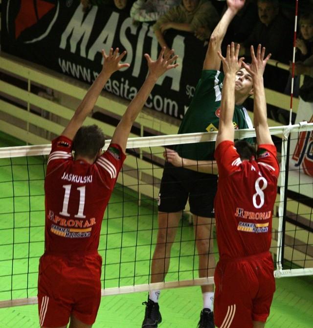 I liga siatkówki: AZS PWSZ Nysa - Pronar Hajnówka 3-0 (sety 25-22, 25-23, 25-20).