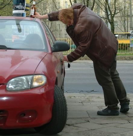 Pijani kierowcy największe zagrożenie stwarzają na ruchliwych drogach