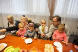 """73,2 mln zł trafiło w Łodzi do rodzin w ramach """"500+"""". Największa kwota dla rodziny do 4,5 tys. zł"""