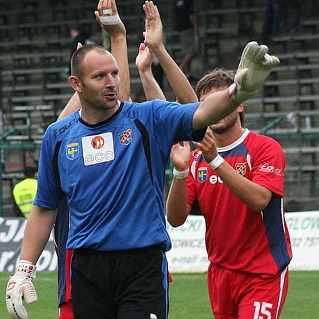 Marcin Feć po meczu zebrał zasłużone brawa nie tylko od klubowych kolegów. Choć w poprzednim sezonie było regułą, że nasz bramkarz ratował zespół, to w tym na taki mecz musiał trochę czekać.