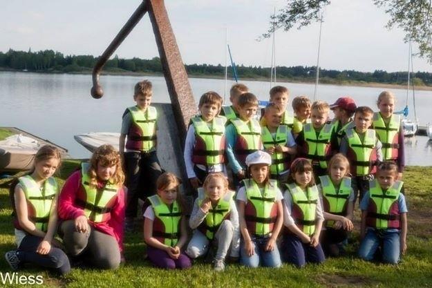 Program Energo Sailing: Najmłodsi żeglarze w Kiekrzu po raz pierwszy zeszli na wodę