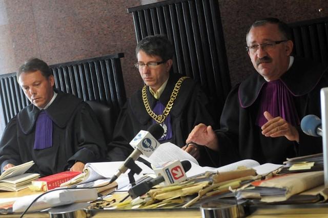 Zdaniem Sądu Okręgowego w Krośnie, który rozpoznawał apelację, sąd pierwszej instancji nie wziął pod uwagę wszystkich dowodów w tej sprawie.