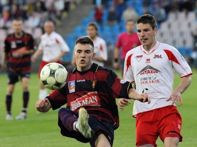 Daniel Wólkiewicz (z piłką) występuje nie tylko w Pogoni, ale także w młodzieżowej kadrze Polski do lat 18.
