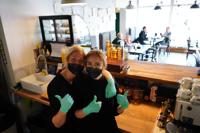19 stycznia 2021, mimo obostrzeń, ponownie zaczęła przyjmować gości poznańska restauracja Szczaw i Mirabelki.
