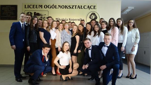 - Zapraszamy do naszego liceum - mówią uczniowie Liceum Ogólnokształcącego imienia Mikołaja Kopernika w Iłży.