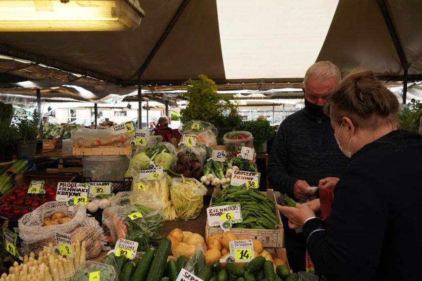 Trochę lepiej prezentują się ceny ziemniaków – 6 zł/kg,...