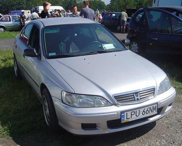 11. Honda Accord. Silnik 1,8 benzyna + gaz, 136 KM. Rok produkcji 1999. Wyposazenie: pelna opcja. Cena 23200 zl.