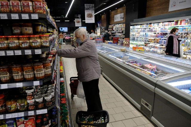 Sklepy w Lany Poniedziałek. Sklepy otwarte dziś? Które sklepy są czynne w drugi dzień świąt wielkanocnych 5.04.21