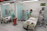 Mężczyźni wtargnęli do szpitala covidowego w Katowicach i nagrywali filmik. Interweniowała policja