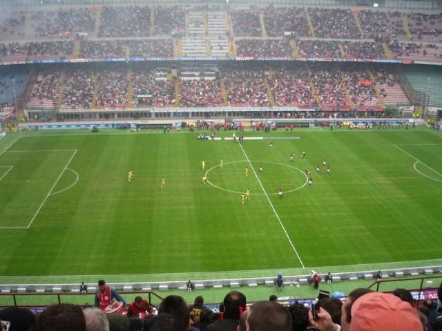 AC Milan - Verona na żywo. Debiut Seedorfa [TRANSMISJA LIVE, ONLINE, GDZIE W TV]