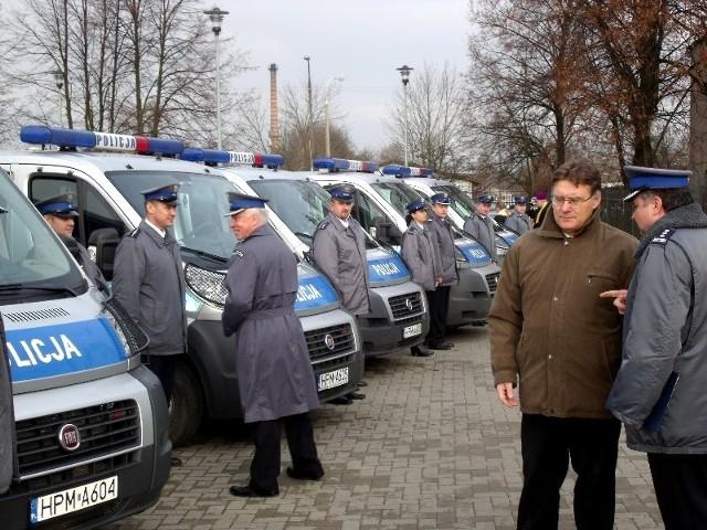 Policjanci z Łap otrzymali nowy radiowóz