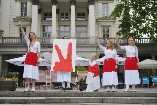 Na placu Wolności rozległ się krzyk, który miał zwrócić uwagę na sytuację obywateli Białorusi. Poznaniacy manifestowali solidarność z Białorusią. Apelowali też do władz o pomoc dla osób uciekających przed reżimem oraz o nałożenie sankcji na Alaksandra Łukaszenkę.