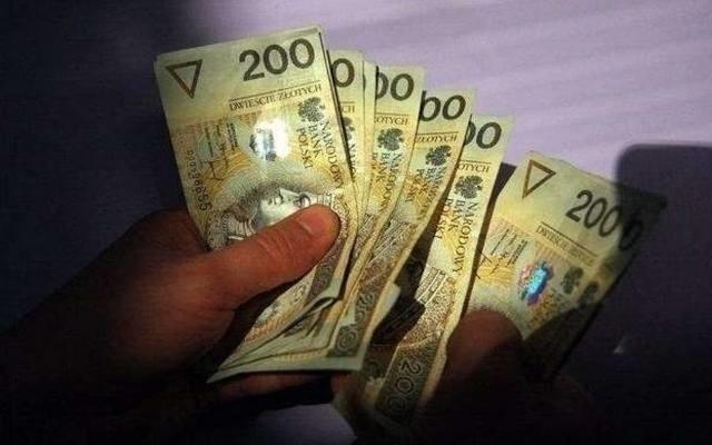 Koszalińska policja po raz kolejny ostrzega przed oszustami, którzy  sięgają po nowe metody, by wyłudzić pieniądze