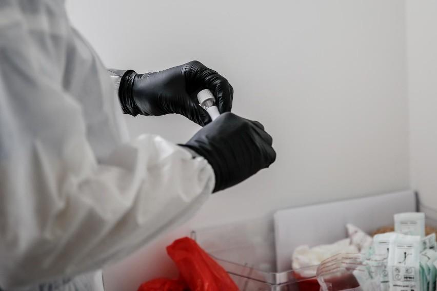 Zgodnie z nową strategią walki z epidemią koronawirusa,...