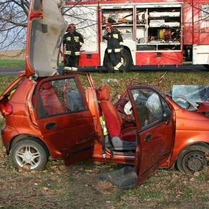 48-letni kierowca matiza zginął w wypadku pod Głubczycami.