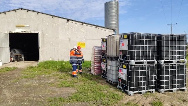 Planowany termin zakończenia wywozu i unieszkodliwiania odpadów znalezionych w styczniu 2019 roku w Brzęczkowicach to trzeci kwartał 2022 roku.