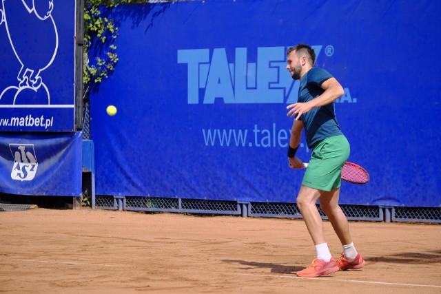 Rywalizacja tenisistów na kortach AZS Poznań w turnieju Talex Open potrwa do niedzieli
